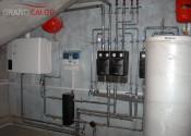 Монтаж котельного оборудования: GB112-43 кВт, Logalux SU400W, Logamax 4121+FM444 Buderus, распределительная гребенка с насосными группами Meibes