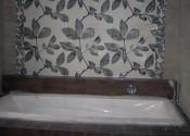 Установка ванной со встроенными смесителями